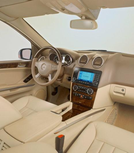 2005-Mercedes-Benz-M-Class-Interior-1280x960