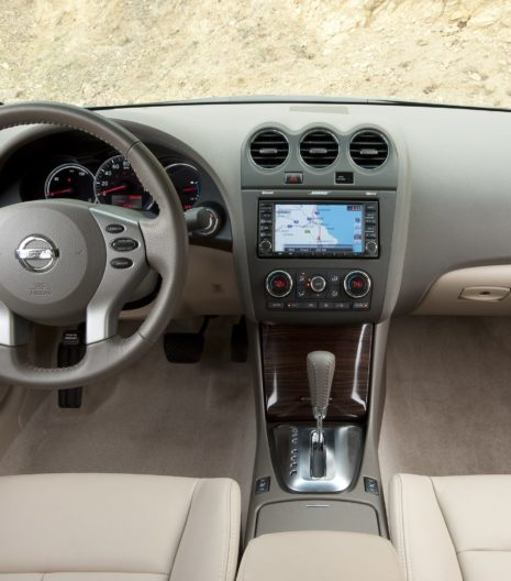 2011-Nissan-Altima-Hybrid-Sedan-Base-4dr-Sedan-Interior